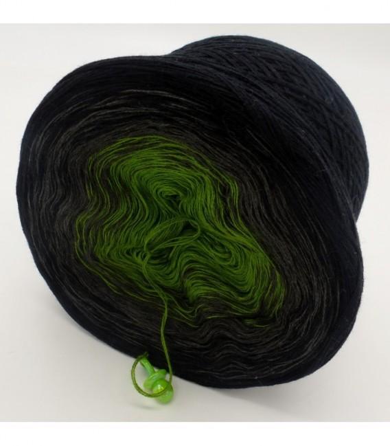 Geheimnisvolle Gedanken - 3 ply gradient yarn image 9