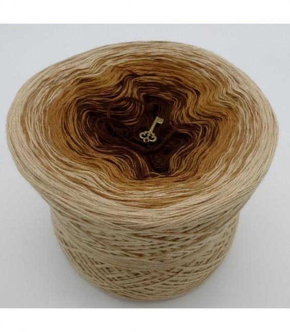 Haselnußstrauch - 3 ply gradient yarn image 6