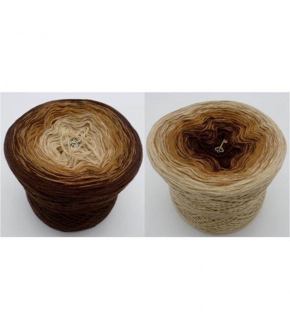 Haselnußstrauch - 3 ply gradient yarn image 1