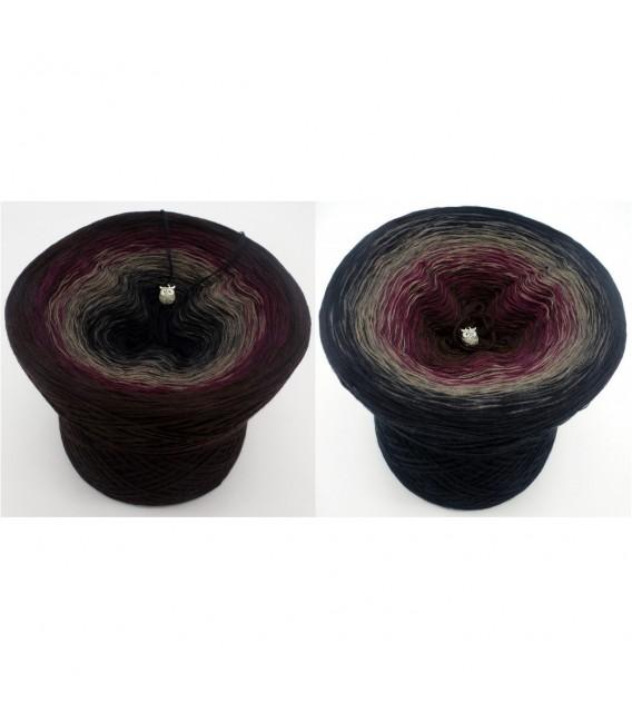 Dunkle Schatten (Dark shadows) - 4 ply gradient yarn - image 1