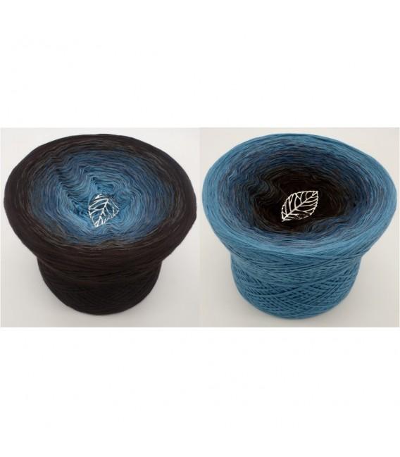 Blauer Planet (Blue planet) - 4 ply gradient yarn - image 1
