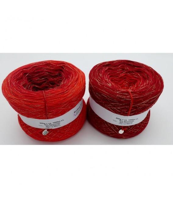 Weihnachtssternchen - 3 ply gradient yarn - image 1