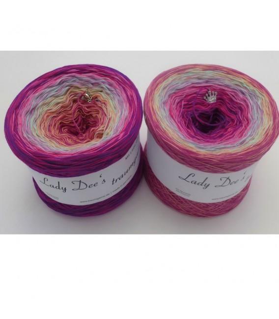Märchen der Herzen (Fairy tale of hearts) - 4 ply gradient yarn - image 1