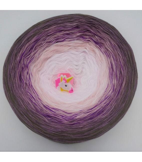 Schweif des Pegasus (Tail of Pegasus) - 4 ply gradient yarn - image 3