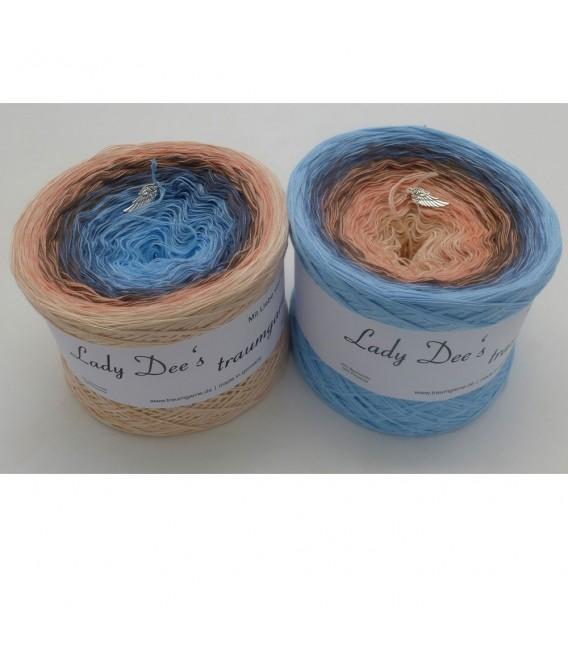 Märchen der Seele (Fairy tale of the soul) - 4 ply gradient yarn - image 1