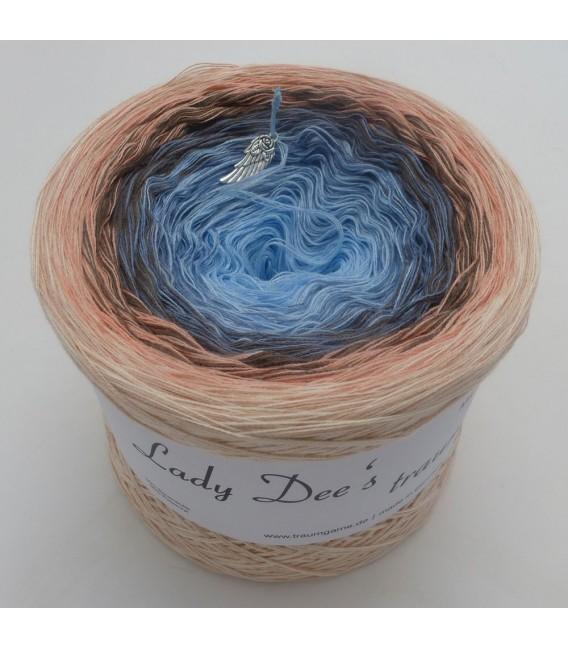 Märchen der Seele (Fairy tale of the soul) - 4 ply gradient yarn - image 2