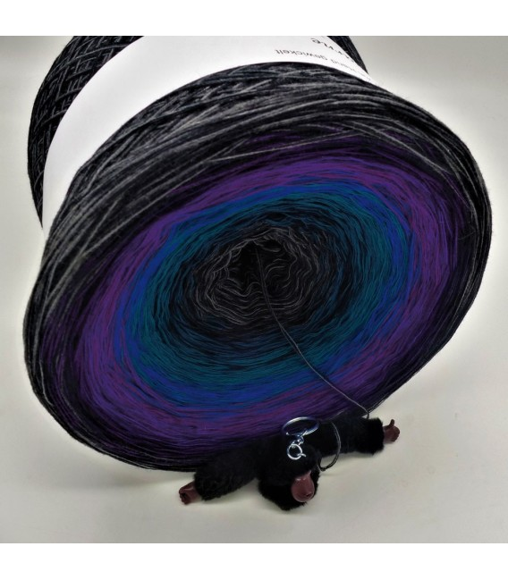 Power of Universe Gigantic Bobbel - 4 ply gradient yarn - image 2