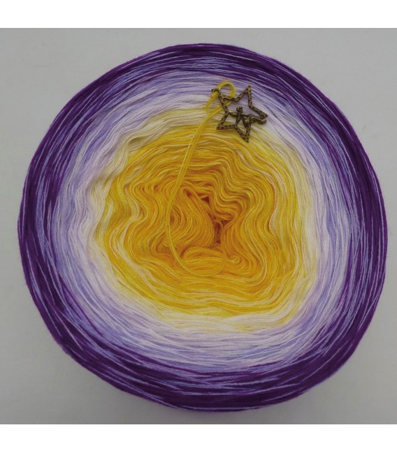 Morgenstern (morning star)  - 4 ply gradient yarn - image 3