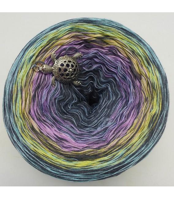 Sonderbobbel Nr. 3 (Special Bobbel No. 3) - 4 ply gradient yarn - image 2