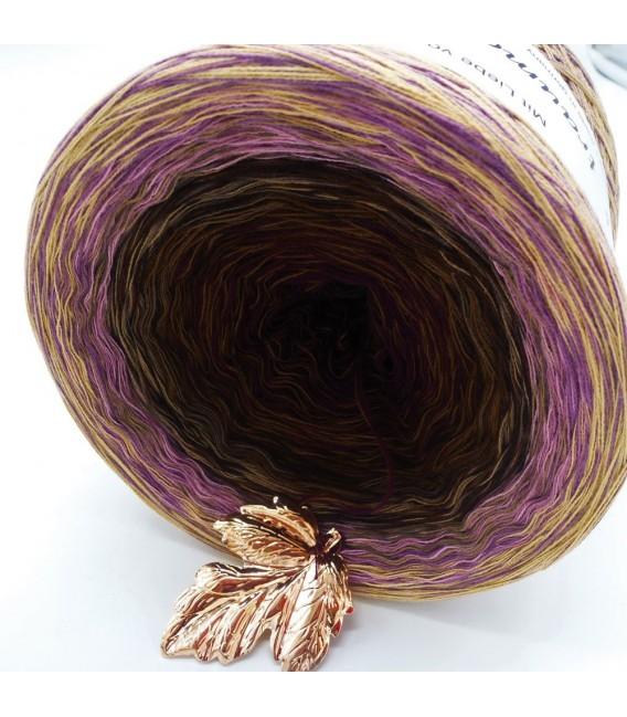 Sonderbobbel Nr. 4 (Special Bobbel No. 4) - 4 ply gradient yarn - image 4