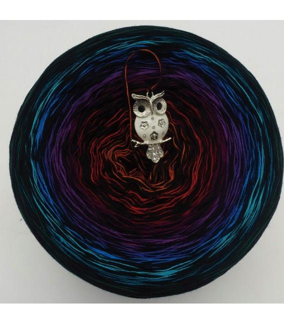 Sonderbobbel Nr. 7 (Special Bobbel No. 7) - 4 ply gradient yarn - image 2
