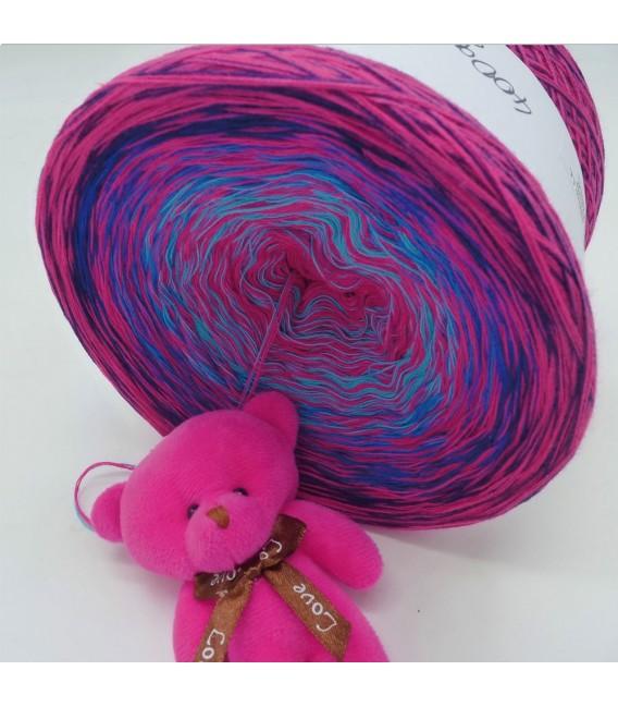 Sonderbobbel Nr. 9 (Special Bobbel No. 9) - 4 ply gradient yarn - image 6