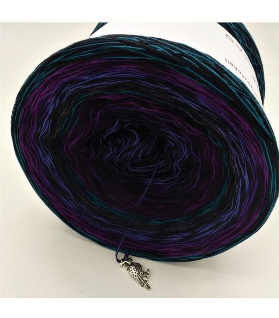 Sonderbobbel Nr. 10 (Special Bobbel No. 10) - 4 ply gradient yarn - image 5
