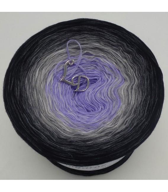Sonderbobbel Nr. 11 (Special Bobbel No. 11) - 4 ply gradient yarn - image 2