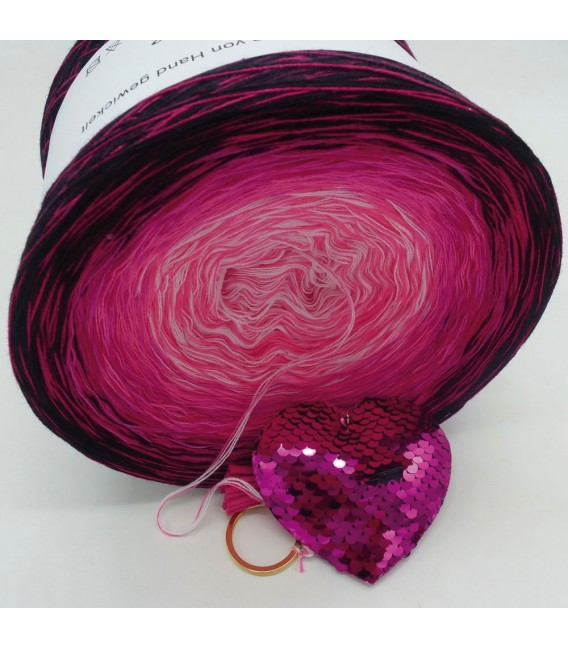 Heart Breaker - 4 ply gradient yarn - image 3