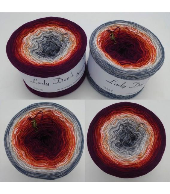 März (March) Bobbel 2019 - 4 ply gradient yarn - image 1