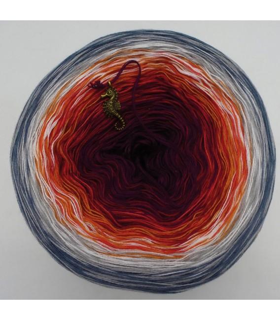 März (March) Bobbel 2019 - 4 ply gradient yarn - image 5