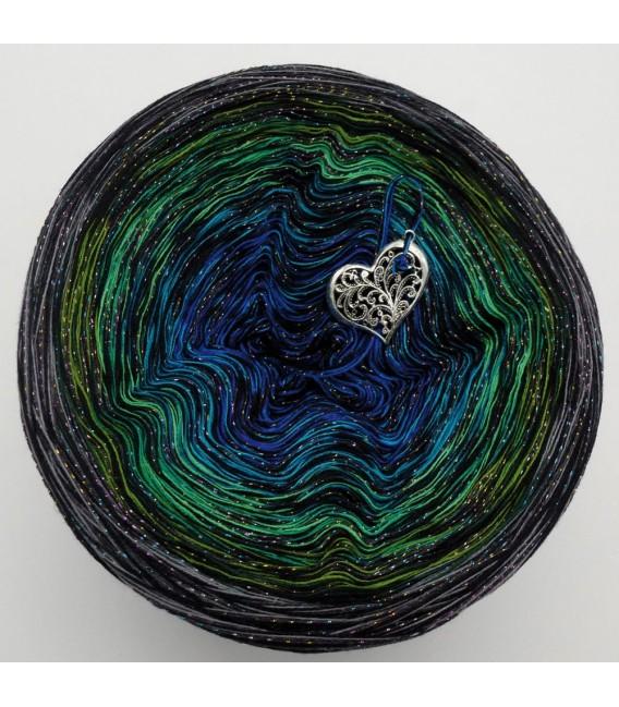 Stern von Bethlehem mit Glitzer (Star of Bethlehem with glitter) - 4 ply gradient yarn - image 2