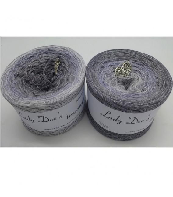 Zeitlose Eleganz (Timeless elegance) - 4 ply gradient yarn - image 1