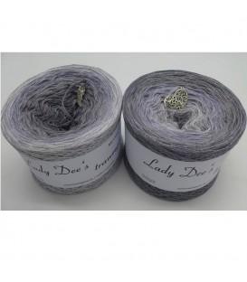 Zeitlose Eleganz - 4 ply gradient yarn image