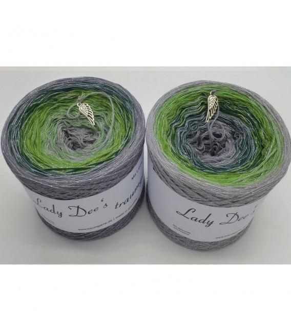 Schimmernde Hoffnung (Shimmering hope) - 4 ply gradient yarn - image 1