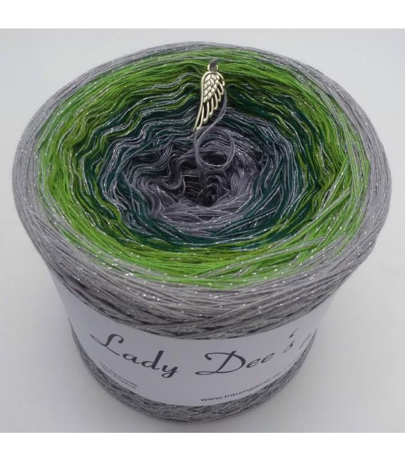 Schimmernde Hoffnung (Shimmering hope) - 4 ply gradient yarn - image 2