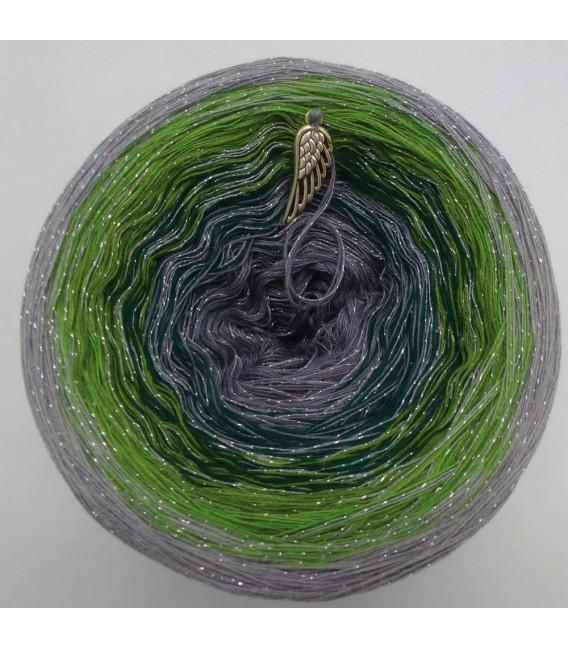 Schimmernde Hoffnung (Shimmering hope) - 4 ply gradient yarn - image 3