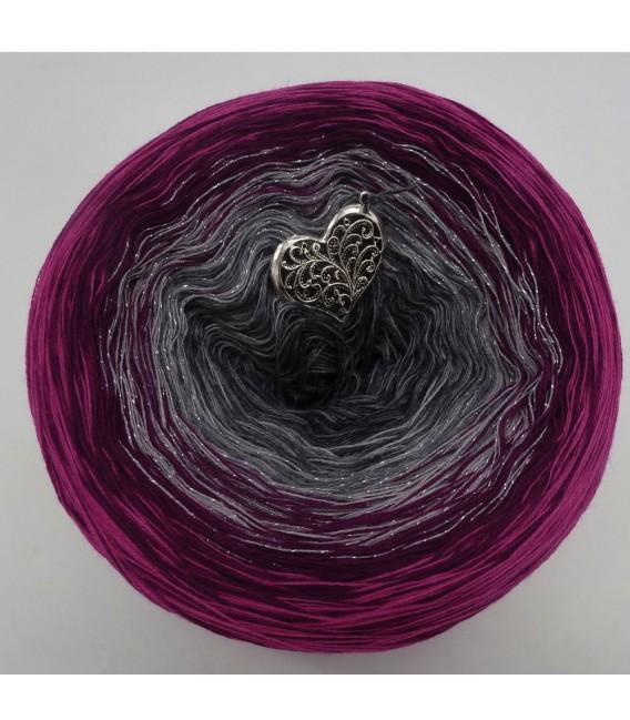 Juli (July) Bobbel 2019 - 4 ply gradient yarn - image 5