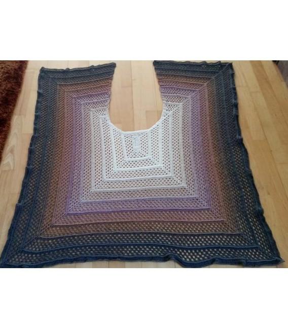 "modèle de crochet poncho ""Silhouette"" de Tanja Schuster - photo 6"