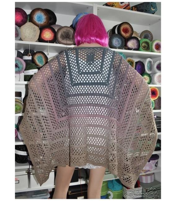 "modèle de crochet poncho ""Silhouette"" de Tanja Schuster - photo 16"