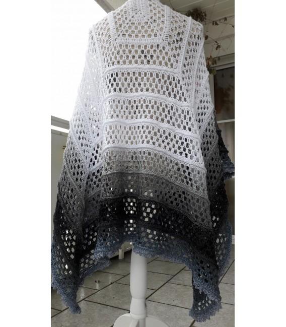 "modèle de crochet poncho ""Silhouette"" de Tanja Schuster - photo 18"