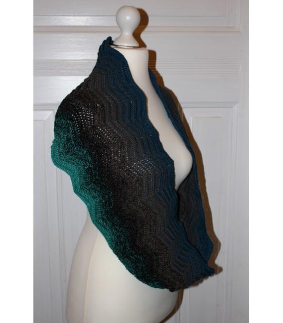 "Crochet Pattern Moebius scarf loop ""Auf Zack"" by Maike Ohlig - image 2"