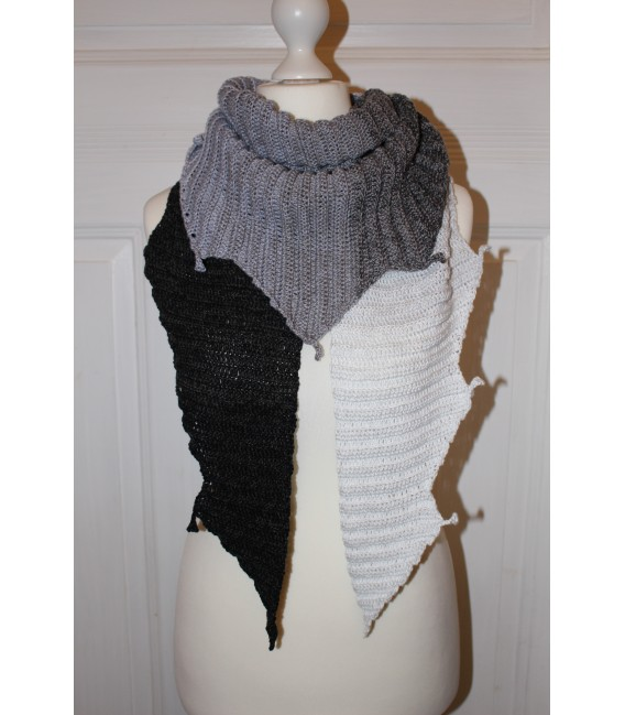 "Crochet Pattern shawl ""Drachenasche"" by Maike Ohlig - image 1"