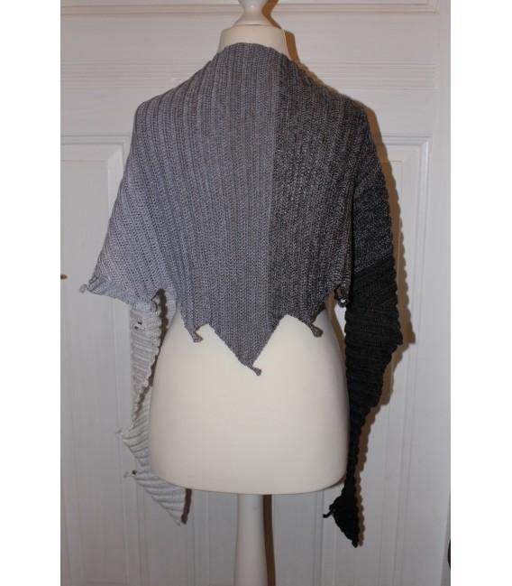 "Crochet Pattern shawl ""Drachenasche"" by Maike Ohlig - image 3"
