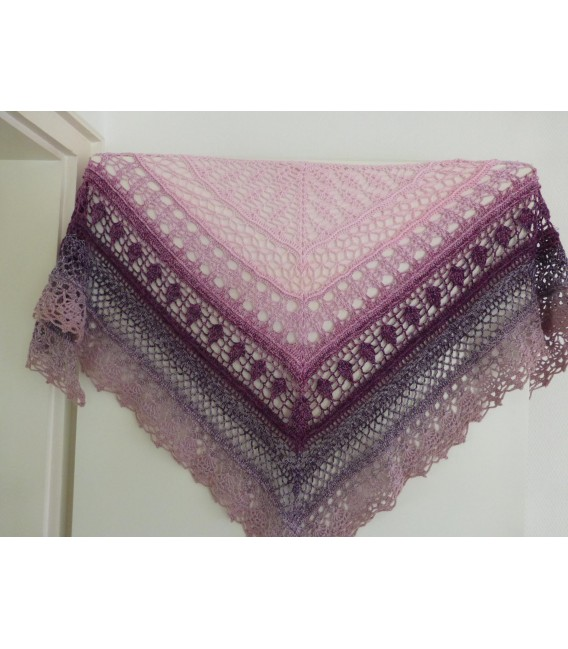 Lipstick - 4 ply gradient yarn - image 10