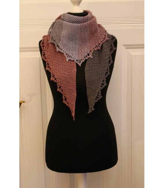 """Crochet Pattern shawl """"Majestät"""" by Maike Ohlig - image 1"""