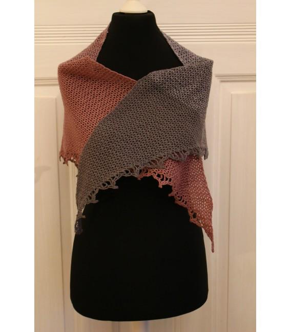 """Crochet Pattern shawl """"Majestät"""" by Maike Ohlig - image 2"""
