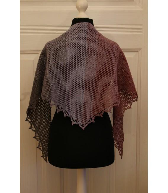 """Crochet Pattern shawl """"Majestät"""" by Maike Ohlig - image 3"""