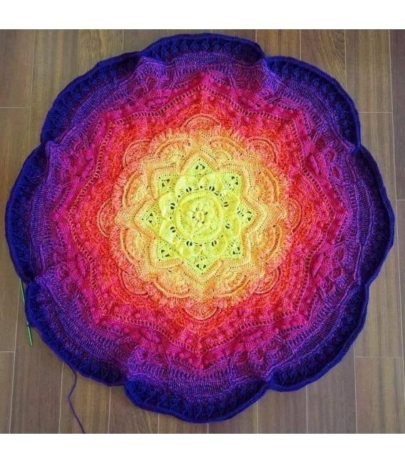 gradient yarn Sonne am Horizont - purple outside 6