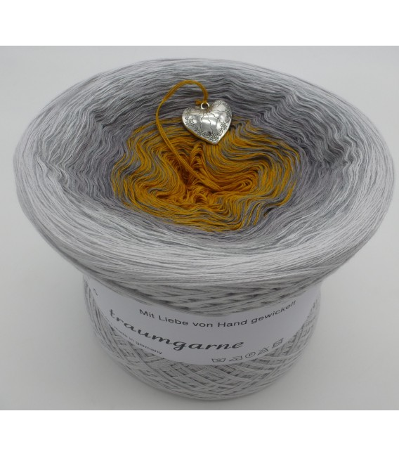 Silberschweif (Silver tail) - Color inside to choice - 4 ply gradient yarn - image 4