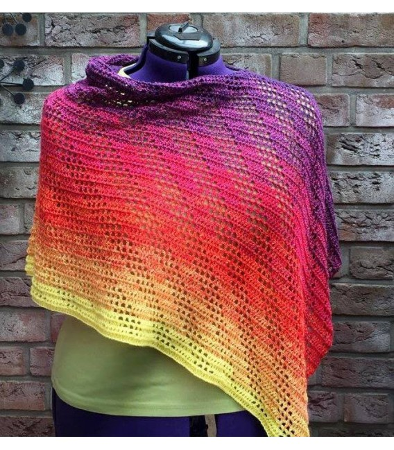 gradient yarn Sonne am Horizont - purple outside 8