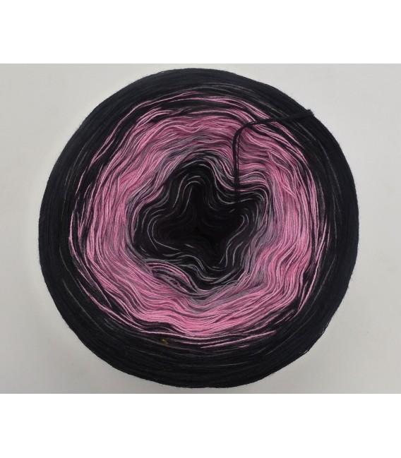 Rosa Schatten (Pink shadow) - 4 ply gradient yarn - image 2