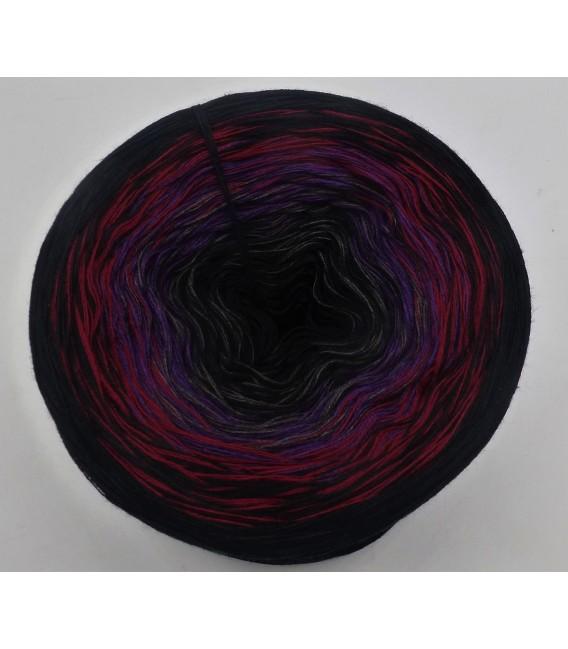 Blume der Nacht (flower of the night) - 4 ply gradient yarn - image 2