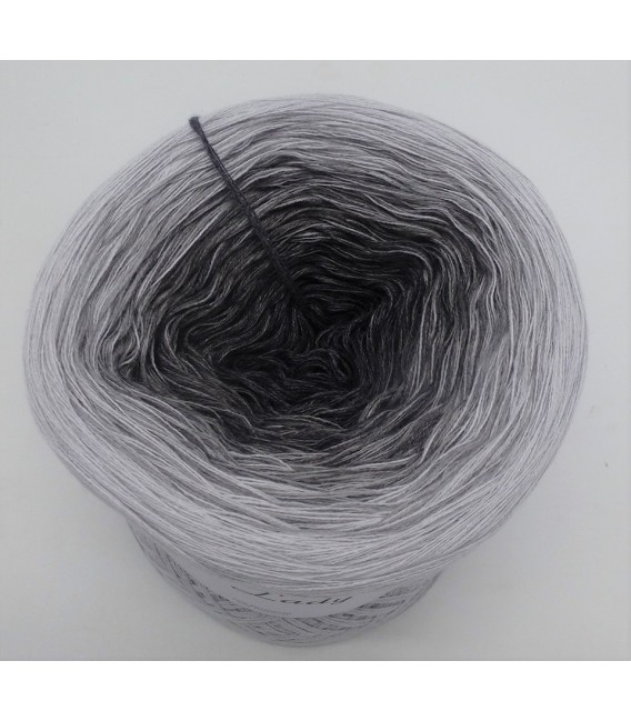 Graues Mäuschen (Gray mouse) - 4 ply gradient yarn - image 5