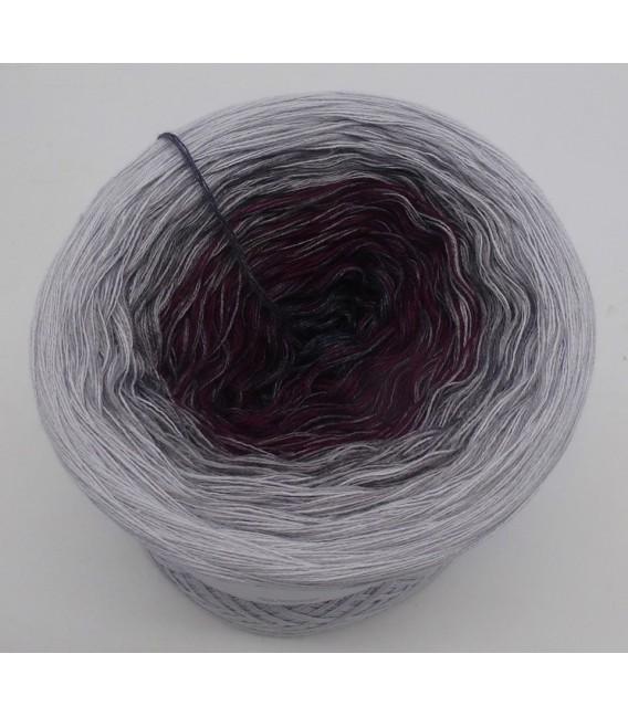 Chianti küsst Grau - Farbverlaufsgarn 4-fädig - Bild 5