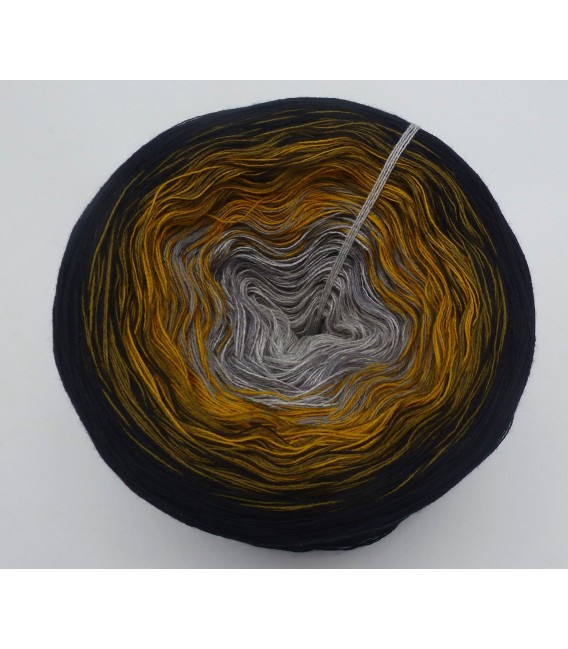 Lost in Time - 4 ply gradient yarn - image 3