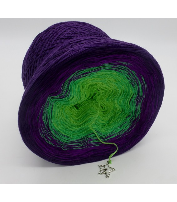 gradient yarn 4ply Poison - purple outside 3