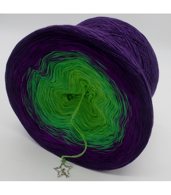 gradient yarn 4ply Poison - purple outside 4
