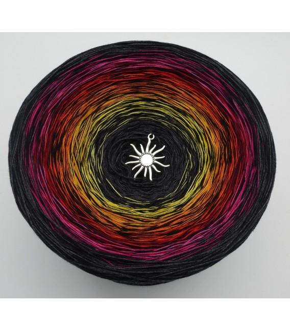 Wintersonnenwende (Winter solstice) Gigantic Bobbel - 4 ply gradient yarn - image 2