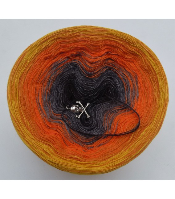 Halloween 2019 - 4 ply gradient yarn - image 3